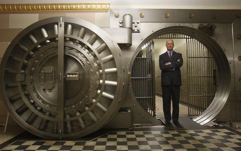 примером пассивных операций банка является