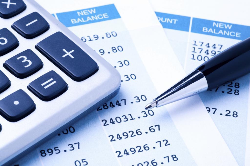 документы, калькулятор и ручка