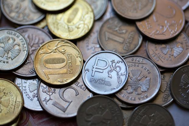 Обесценивание рубля в дефолт
