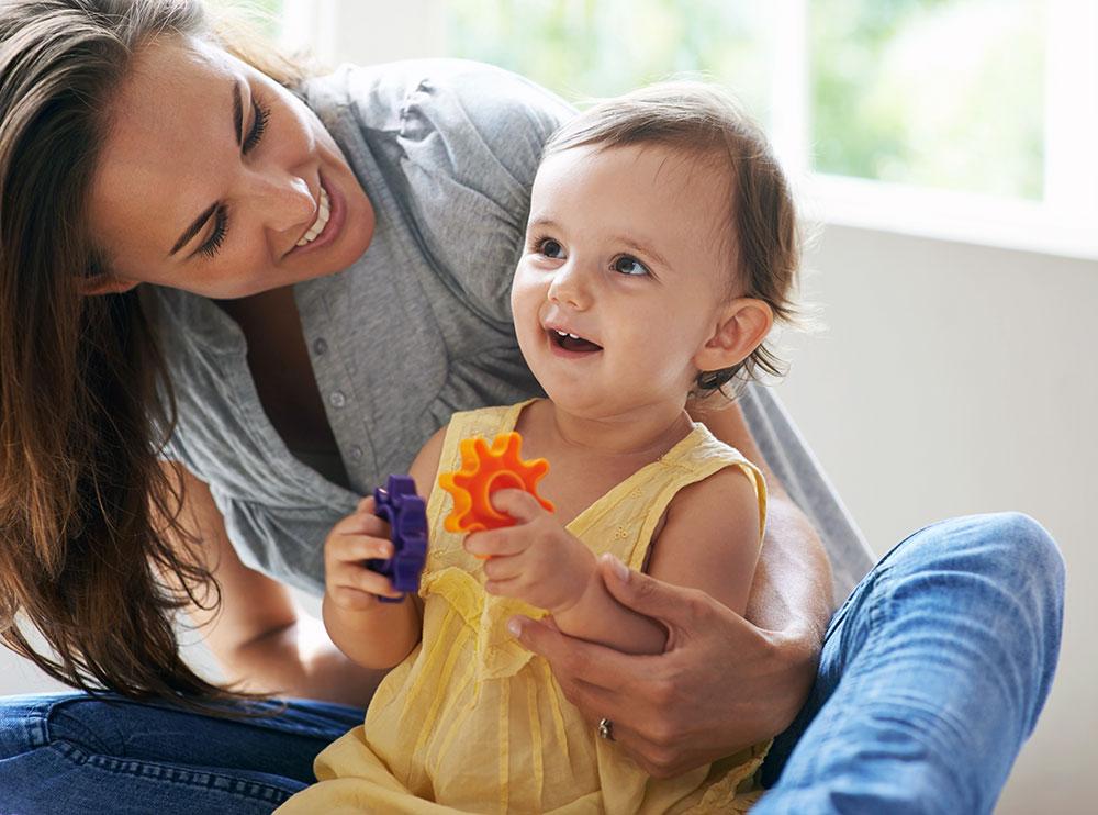 Няня с ребенком.