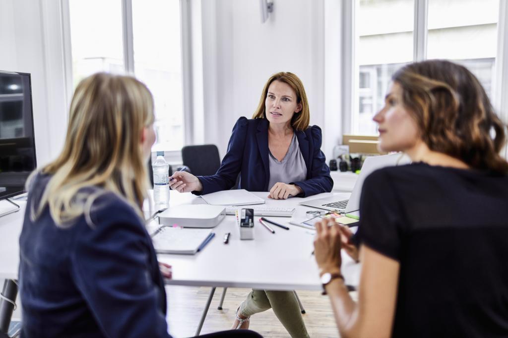 Женщины на деловом совещании